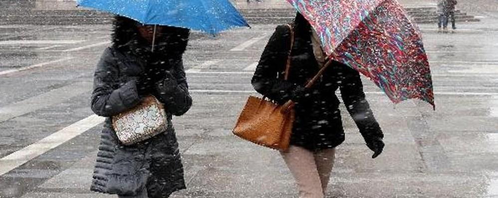 Weekend con pioggia in arrivo Ma il Pirellone: «Rischio neve»