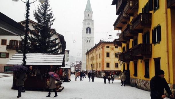 Cortina fa il pieno di neve
