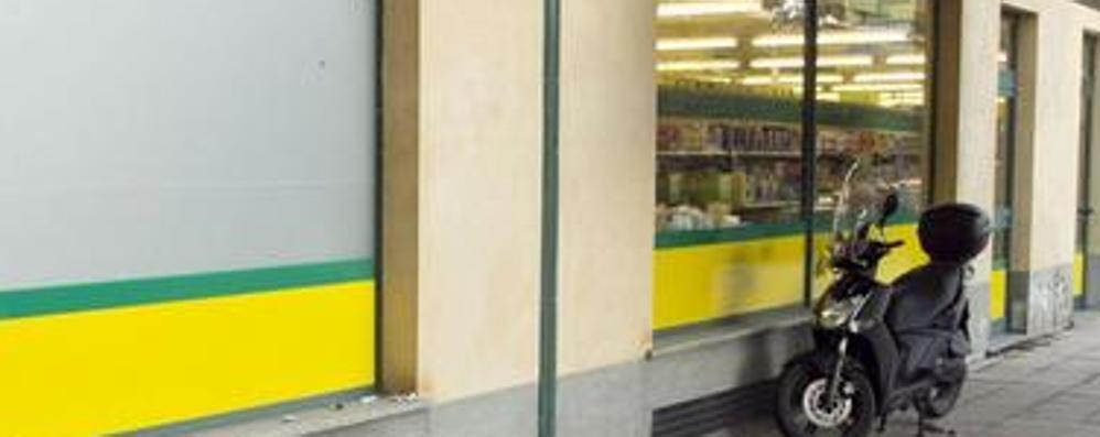 Tentano rapina al supermercato Zanica, aggredite due dipendenti