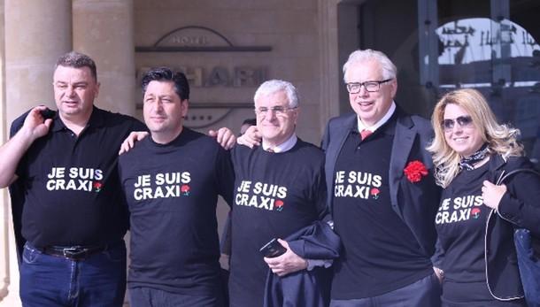 Craxi: Cav, vergogna morte in esilio