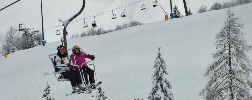 La neve fa felici gli sciatori In Val Seriana impianti aperti