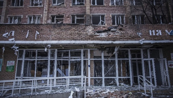 Ucraina: governativi colpiscono ospedale