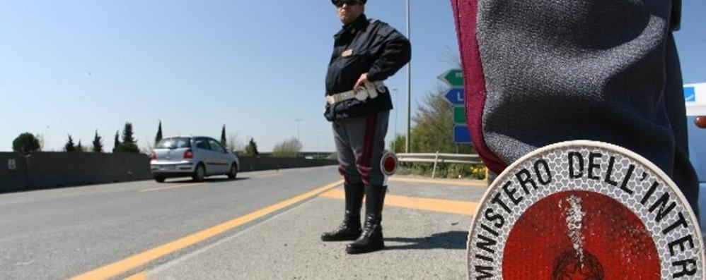 Banda di albanesi arrestati dalla Stradale: l'auto è di un  romeno, ne ha 140 intestate