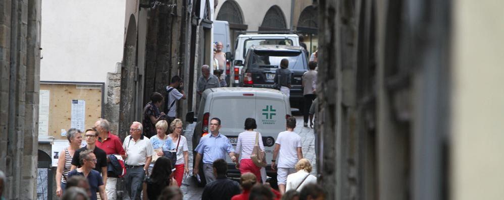 Città Alta, Corsarola senza auto  Siete favorevoli? Votate il sondaggio