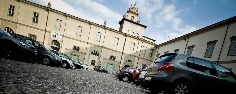 Prima piazza Mascheroni, ora la Carrara «Ma che ne dite della sosta in Cittadella?»