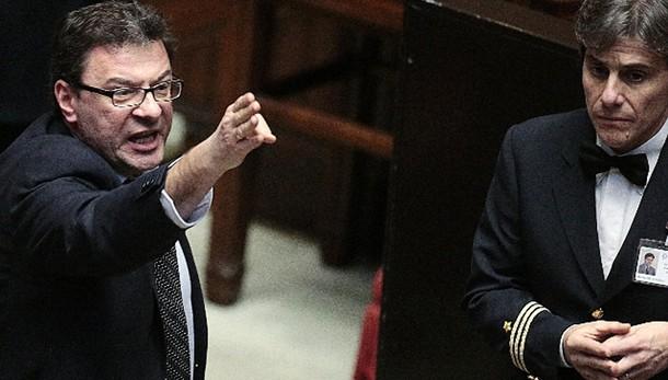 Referendum: protesta Lega alla Camera
