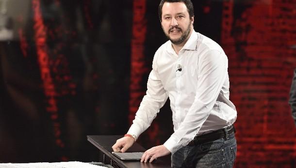 Salvini, no referendum? Italia fa schifo