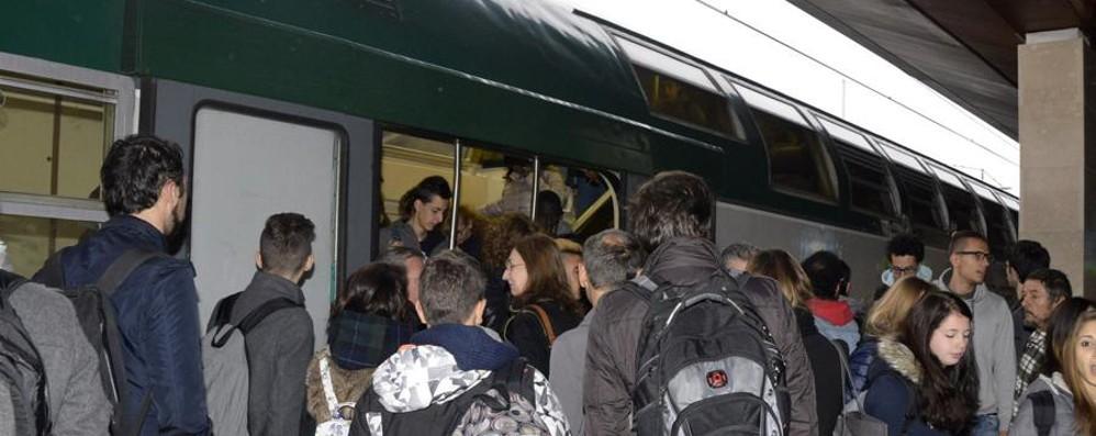 Scambio guasto: ritardi e treni ko La solita giornata nera dei pendolari