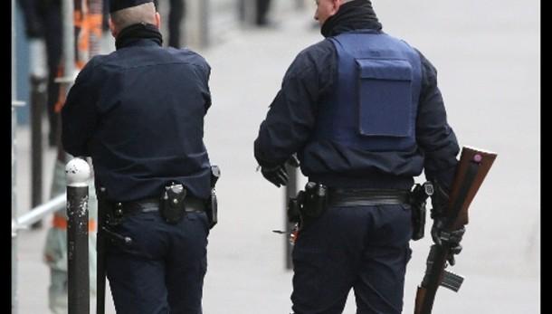 Terrorismo: fermati 5 russi in Francia