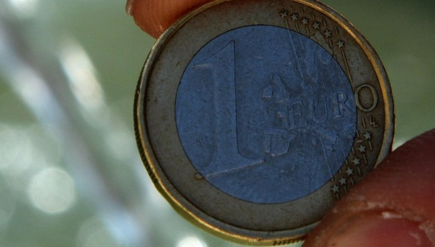 Bce: Euro in calo a 1,1520 dollari