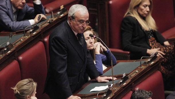 Colle: Martino, se eletto mi dimetterei