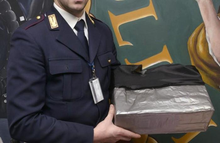 La valigia schermata per nascondere la refurtiva