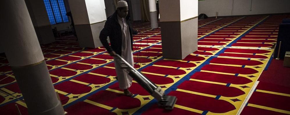 Moschea abusiva di via Quarenghi Chiusura, la Lega: meglio tardi che mai
