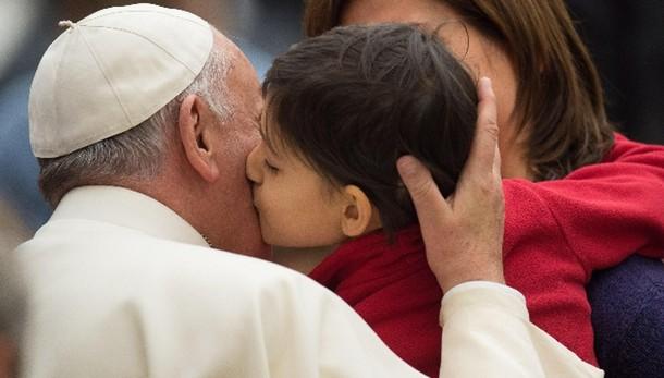 Papa: la famiglia perfetta non esiste