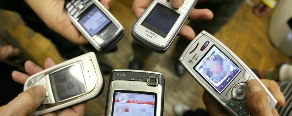 Servizi non richiesti: e gli utenti pagano L'Antitrust multa le compagnie telefoniche