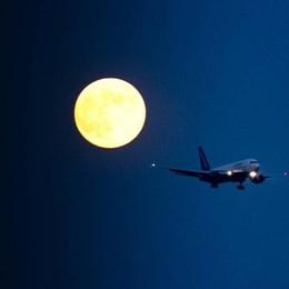Orio al Serio, caos voli notturni  I sindaci: vogliamo certezze