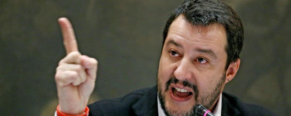 Violenza sessuale sul treno Salvini attacca su Facebook
