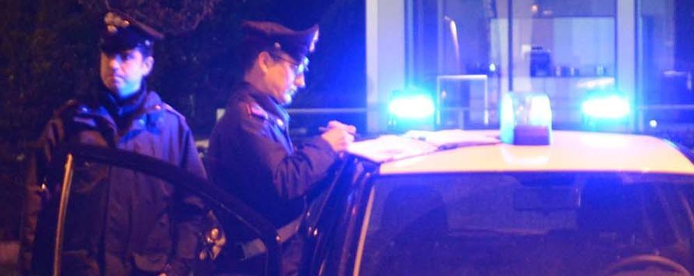 Ladri di sigarette, assalto al bar Messi in fuga dalla nebbia artificiale