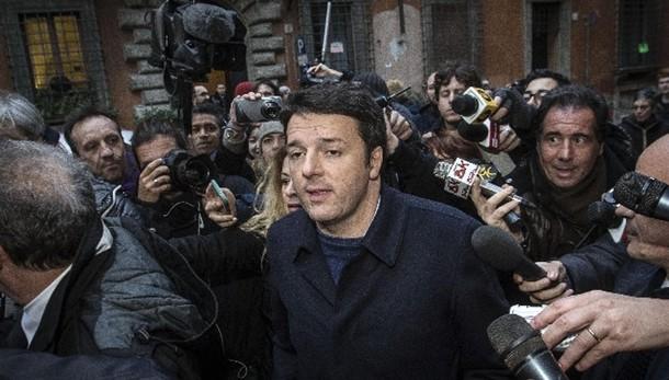 Renzi,scheda bianca in prime 3 votazioni