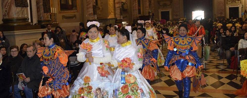Duemila filippini hanno invaso Bergamo Anche da Austria e Svizzera per il patrono
