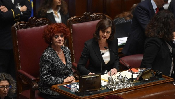 Colle: lungo applauso per Napolitano