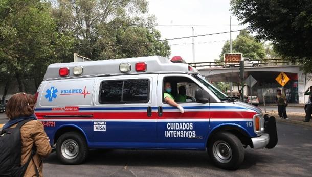 Messico: camion esplode fuori ospedale