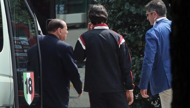 Calcio: Berlusconi a Milanello