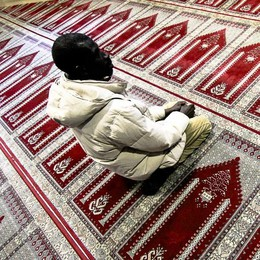 La nuova legge anti moschee I sindaci lombardi: «Molto critici»