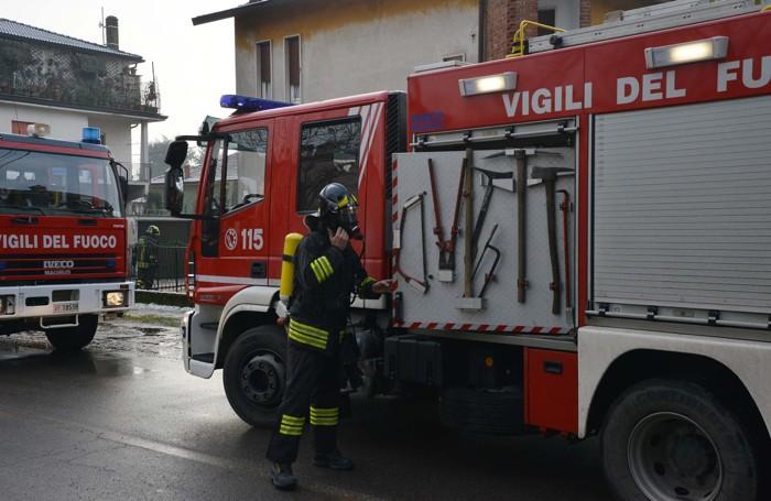 L'incendio a Castel Cerreto, frazione di Treviglio