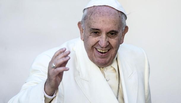Mattarella: gli auguri del Papa