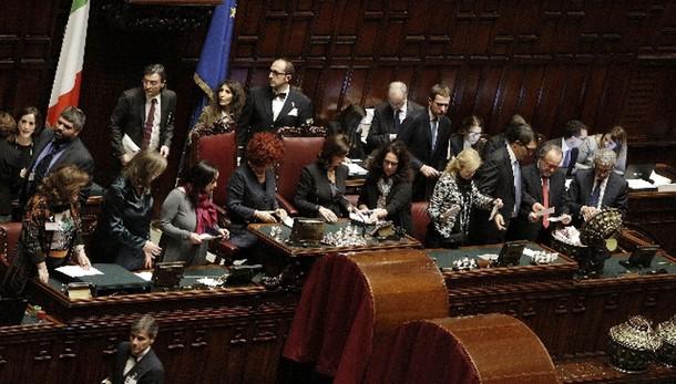 Quirinale: voti a Mattarella a quota 643