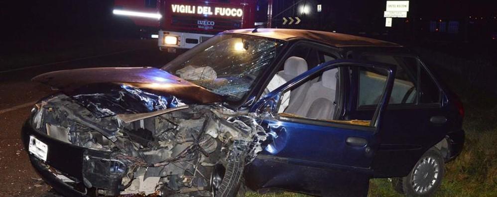 Schianto a Castel Rozzone Auto distrutte, ferite due donne