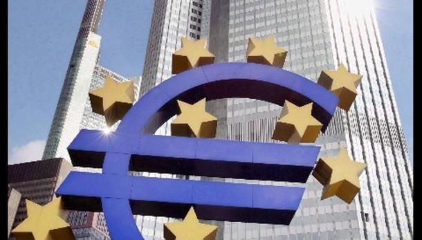 Cambi:euro ancora in calo,1,1949 dollari
