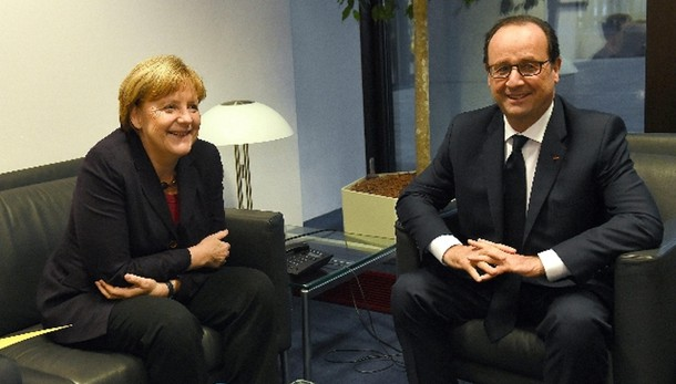 Hollande,domenica incontro Angela Merkel