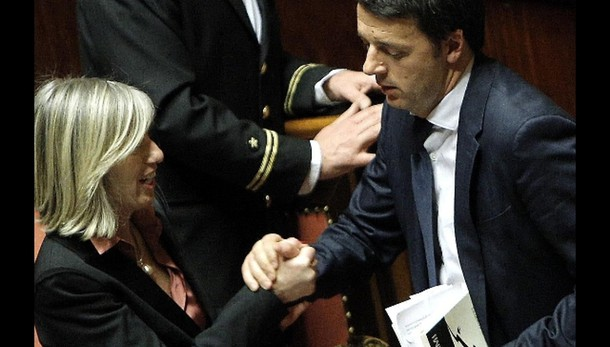 Renzi riceve ministro Giannini a P.Chigi