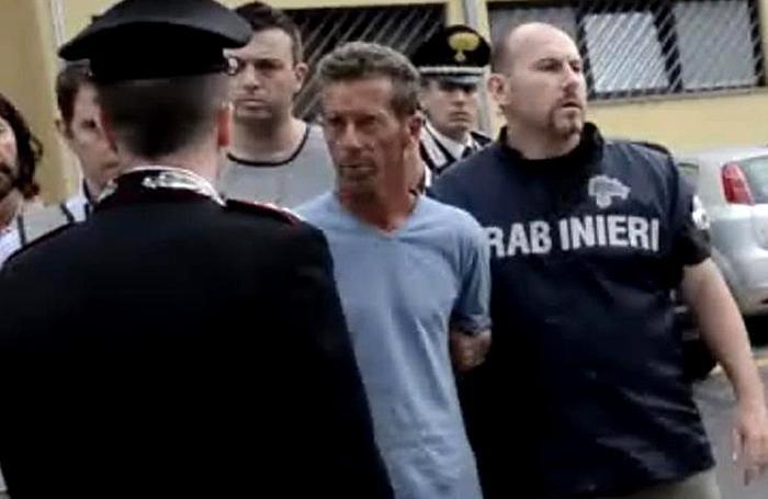 Massimo Giuseppe Bossetti presunto omicida di Yara Gambirasio durante l'arresto