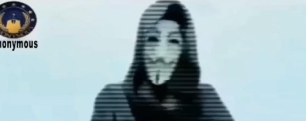 Anonymous, lotta 2.0 ai terroristi «Chiuderemo tutti i vostri account»