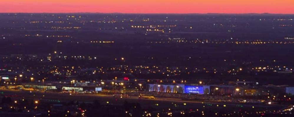L'alba rossa dai colli di San Vigilio Spettacolo mozzafiato, guarda il video