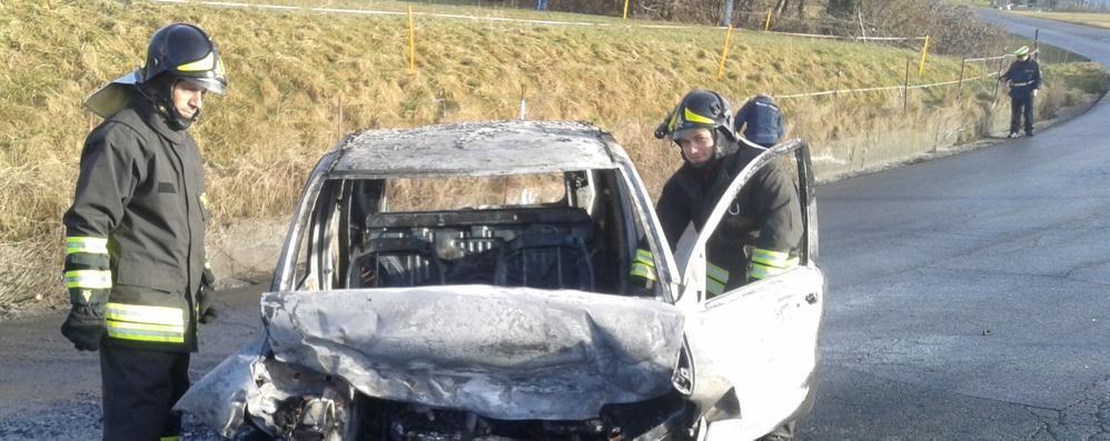 Onore, dopo il malore lo schianto Muore 85enne di Colere, auto in fiamme