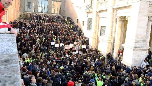 Vigili Roma in assemblea, 'Sciopero'