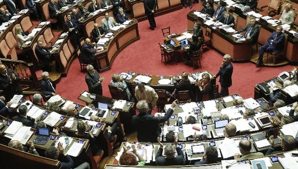 Riforme: ok Senato a emendamento canguro