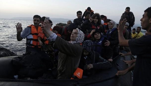 Centro migranti a Lesbo in 10 giorni