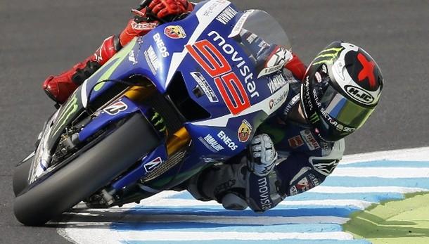 MotoGp: pole per Lorenzo, ma Rossi è 2/o