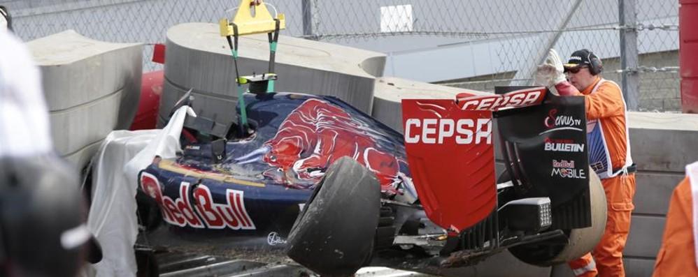 Solito dominio Mercedes a Sochi Vettel 4° in griglia. Paura per Sainz