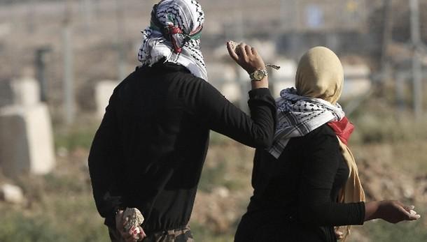 Raid su Gaza, morte donna e figlia