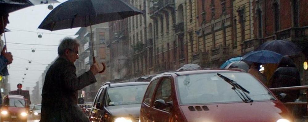 La pioggia non molla, rischio frane Solo sabato una pausa, poi ancora acqua