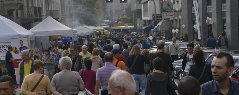 Festa in via Mai e tanti mercatini
