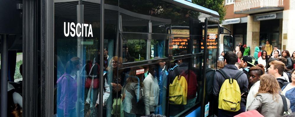 Locatelli: «Corse dei bus a Natale?  Solo se gli autisti lavorano gratis»