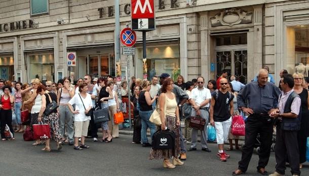 Metro:evacuati treni,a piedi in galleria