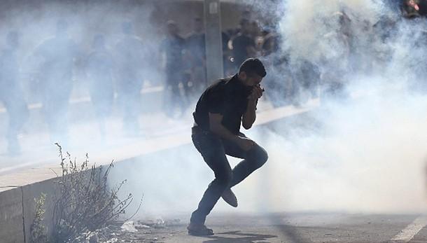 Gaza: 2 palestinesi uccisi, 100 feriti